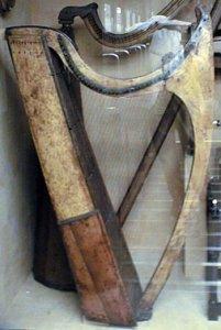 Эволюция арфы до Золотой арфы кельтов